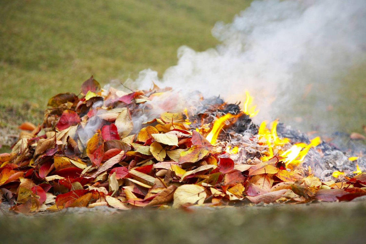 | Tájékoztató az avar és kerti hulladék nyílttéri égetésének szabályairól